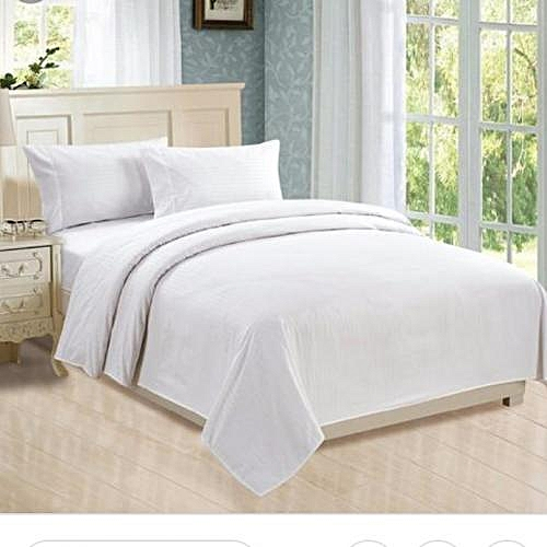 Plain White Bedsheet With Four Pillow Cases