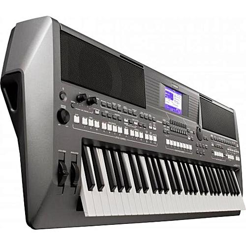 Yamaha PSR-S670 61-Key Arranger Workstation With Adapter
