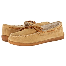 e81ca6f988e84 Buy Minnetonka Men s Slippers   Sandals Online