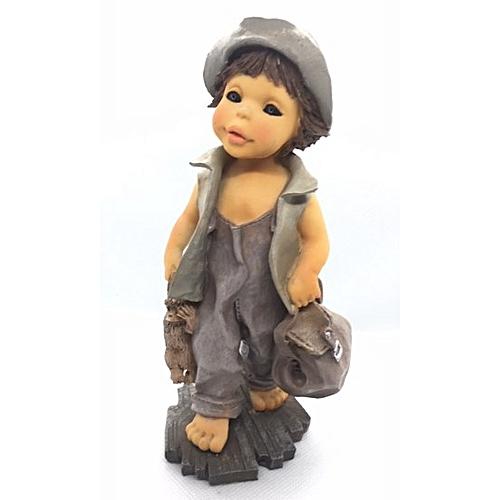 Figurine : Boy In Ash Cloth With Dark Eyes
