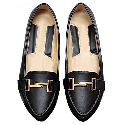 Unique Ladies Flat Shoe - Black
