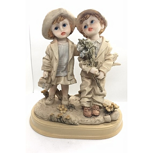 Figurine : Boy Leaning Against Wood Holding Flower To Girl