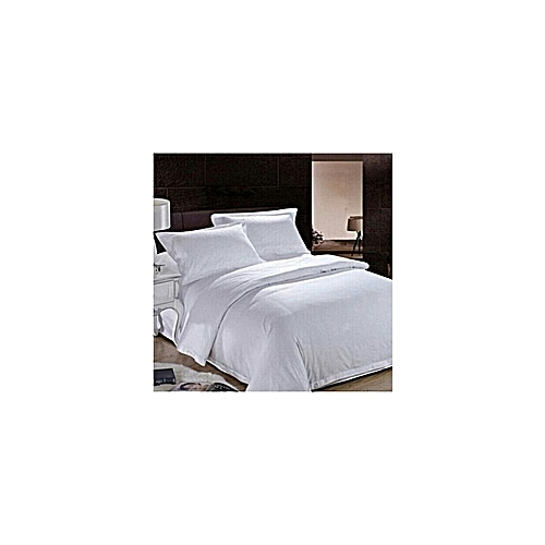 WHITE POLYESTER DUVET WITH COTTON BEDSHEET AND PILLOW CASES