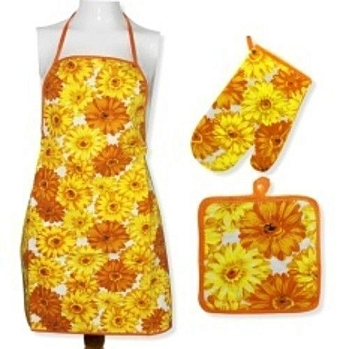 Kitchen Apron With Pot Holder And Mitten Quilted Set