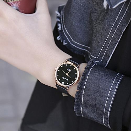Women's Watch Luxury Quartz Wristwatch Leather Strap Watch