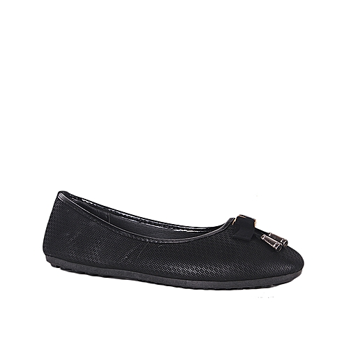 Women's Fashionable Ballet Slip On Shoe - Black