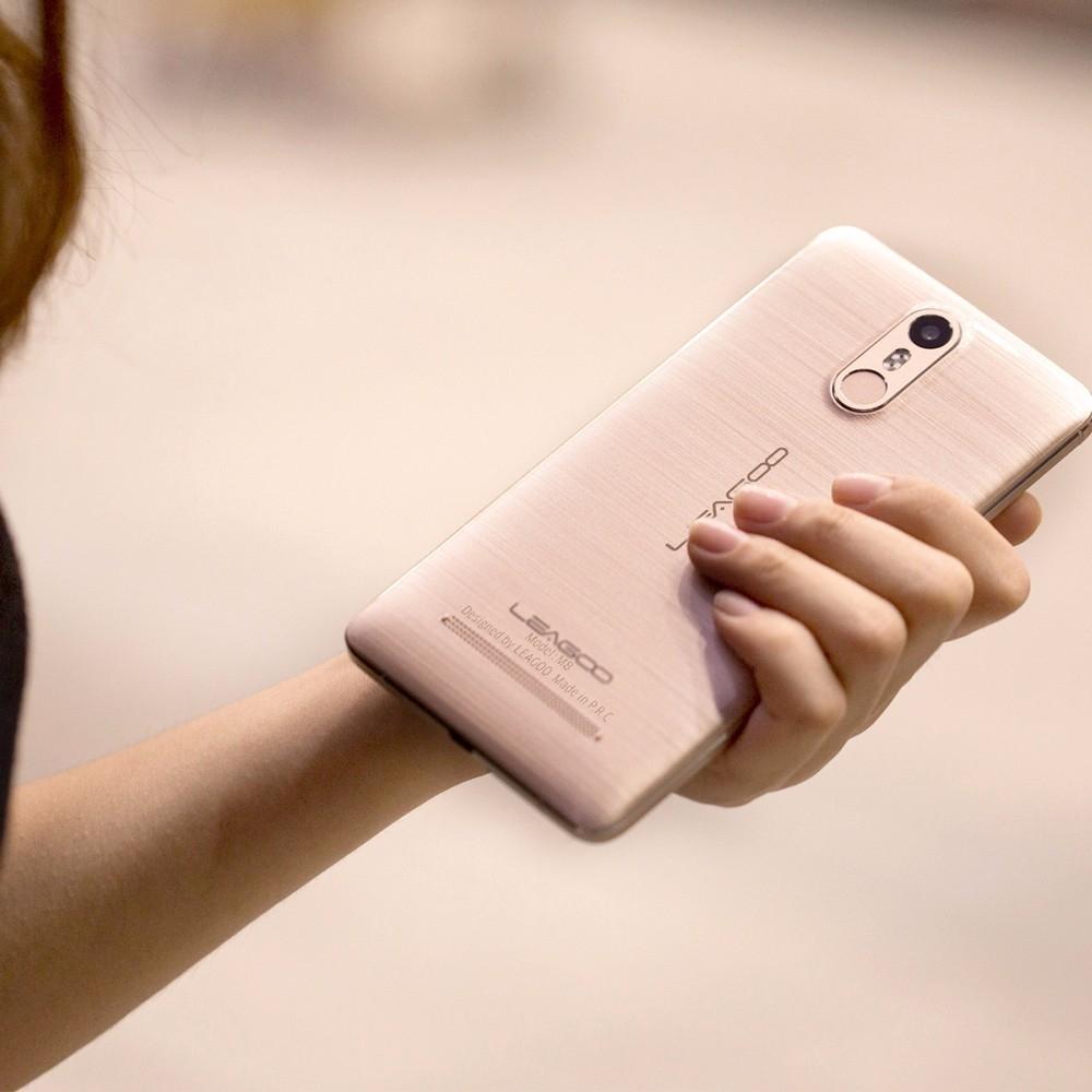 LEAGOO M8 5.7 inch 3G Phablet Android 6.0 MTK6580 Quad Core 1.3GHz 2GB RAM 16GB ROM 8.0MP + 13.0MP Cameras 2.5D IPS Corning Gorilla Glass 4 Fingerprint Sensor