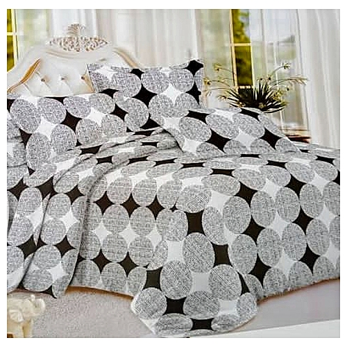 White And Black 100 Percent Cotton Material With 4 Pillowcase