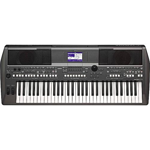 Yamaha PSR-S670 Keyboard With Adapter