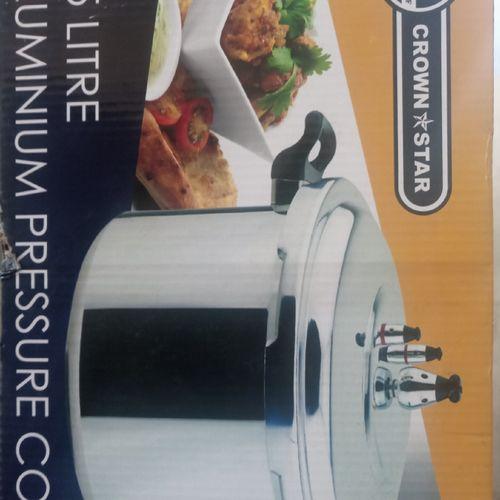 Pressure Cooker 5.5 Ltrs