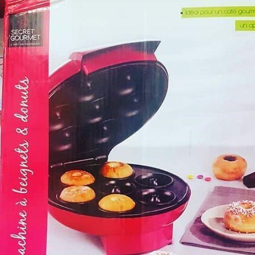 7 Portions Compact Doughnut Beignet Maker Machine