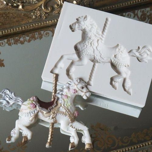 3D Carousel Horse Mold Fondant Cake Molds Silicone Mold Cupcake Mold Baking Tools Chocolate Mold