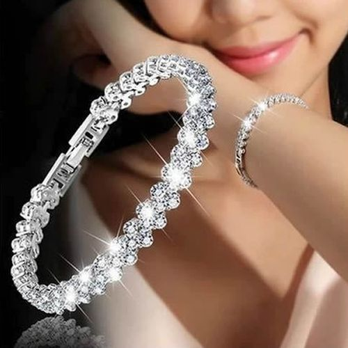 Glamorous Female Crystal Bracelet With Artificial Diamond Inlaid For Wedding, Engagement, Mother`s Day And Birthday Gift, Diameter: 5.25 Cm, Perimeter:16.5 Cm(Silver)