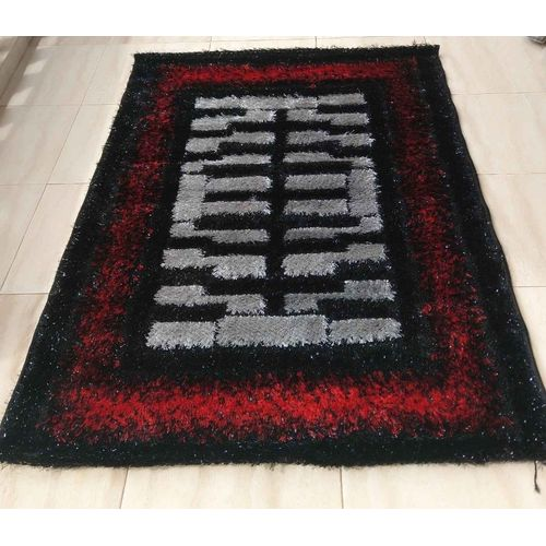 Shaggy Centre Rug - Red
