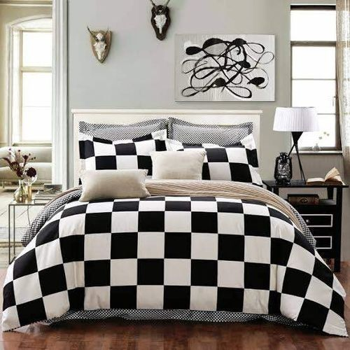 Luxury Black & White Checker Board Compete Bedsheet Wit 4 Pillowcases