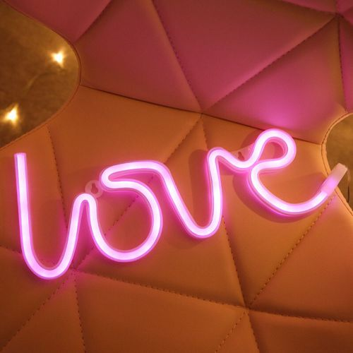 Love Neon Signs LED Light Wall Table Décor Battery Powered