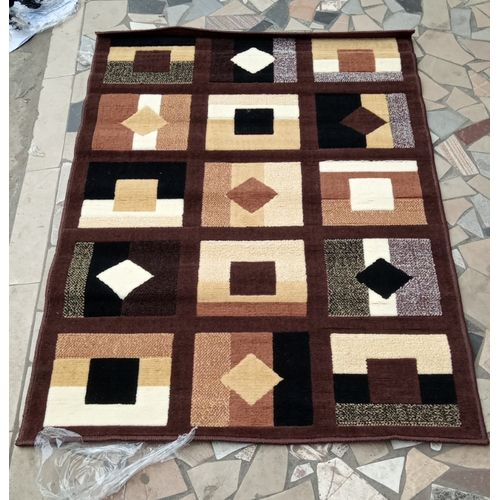 Center Rug With Stylish Stone- 4ft X 6ft