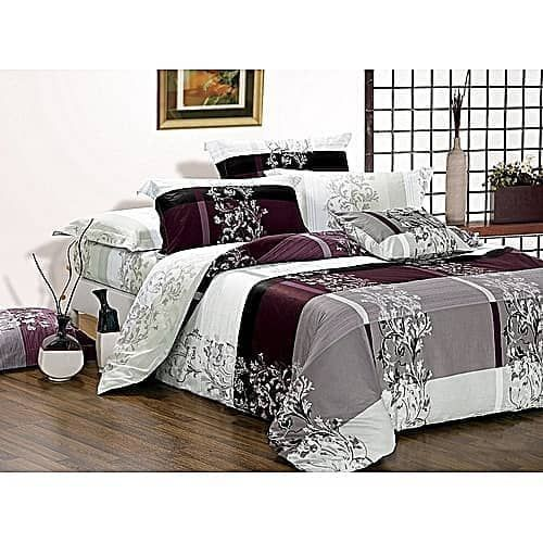 New Multicoloured Bedsheet With Four Pillows