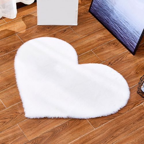 Ultra Soft Heart-shaped Decorative Rug Faux Artificial