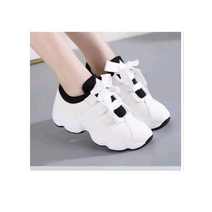 Fashion Topnotch Ladies Sneaker-White