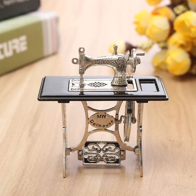 Dollhouse Sewing Room Set//W//Access Town Square Miniatures