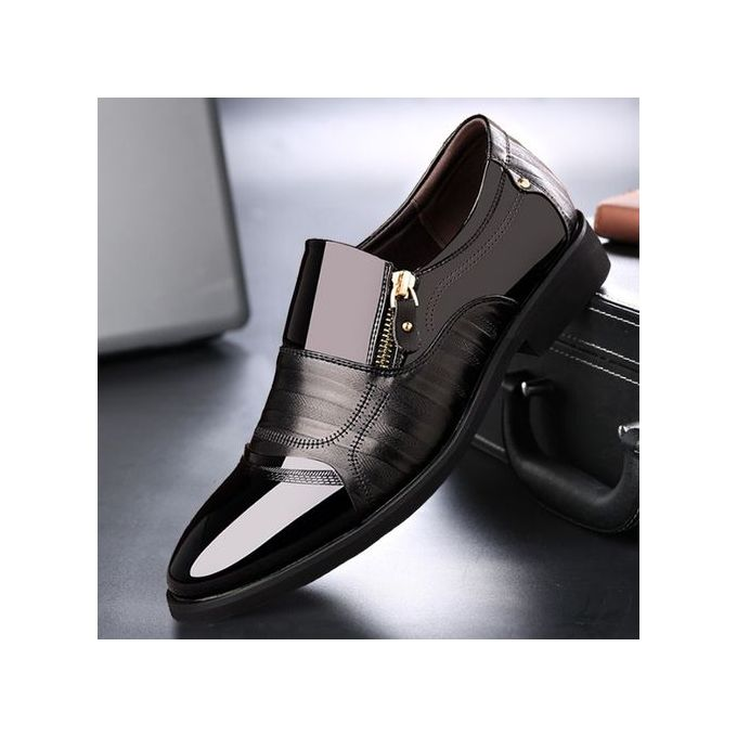 Slip-On Pointed Toe Shoes - Black