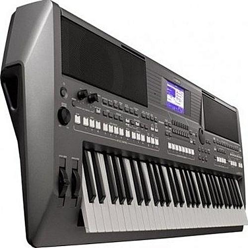 Keyboard - PSR S670 .. With Yamaha Adaptor