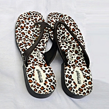 d9f485a33b49 Classic And Soft Female Slippers With Leather Top - Spots