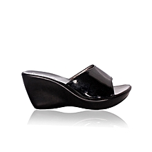85891bd7c Ladies Wedge Shoe- Black