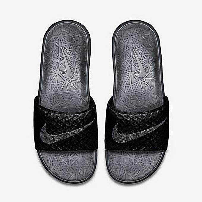 daacfc6b8618 Nike Benassi Solarsoft Slide2 - Black   Wolf Grey